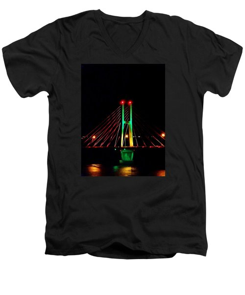 Bay View Christmas Lights Men's V-Neck T-Shirt