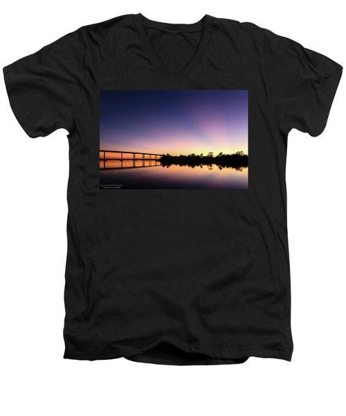 Beams Men's V-Neck T-Shirt