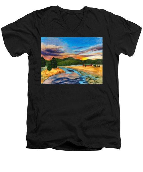 Bear Creek Colorado Men's V-Neck T-Shirt