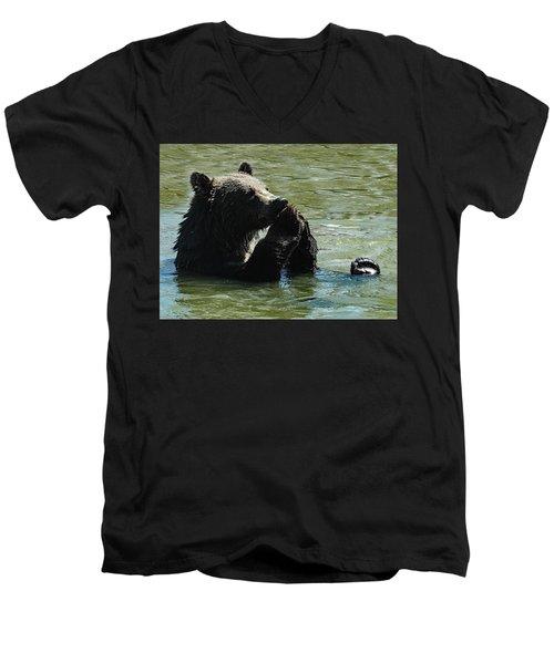 Bear Prayer Men's V-Neck T-Shirt