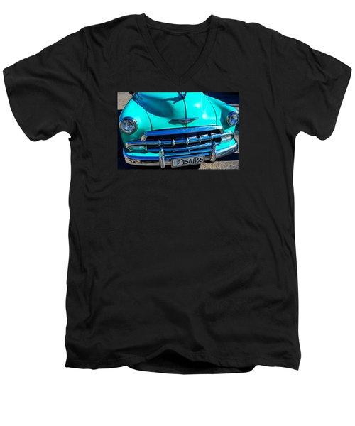 Beautiful Car In Cuba Men's V-Neck T-Shirt