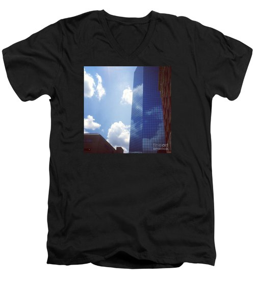 Beautiful Day In Lexington, Ky Men's V-Neck T-Shirt