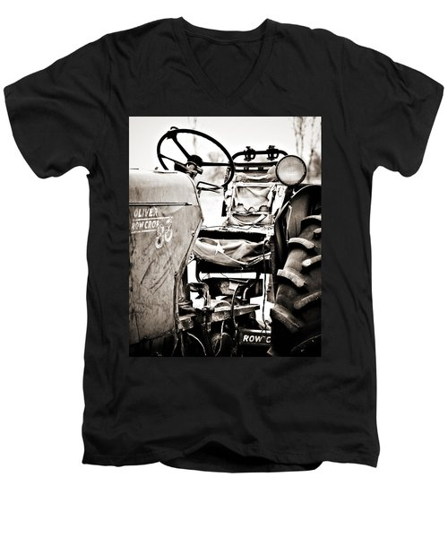 Beautiful Oliver Row Crop Old Tractor Men's V-Neck T-Shirt