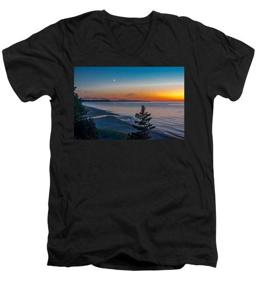 Beaver Creek Sunset Men's V-Neck T-Shirt