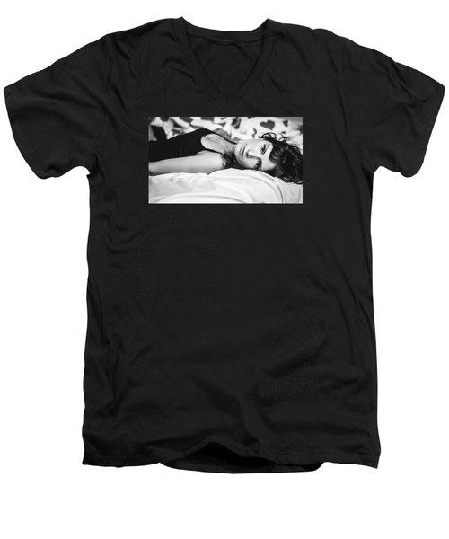 Bed Portrait Men's V-Neck T-Shirt