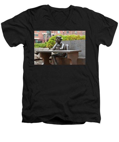 Beetle Bailey Men's V-Neck T-Shirt