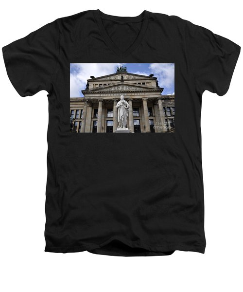 Berlin 4 Men's V-Neck T-Shirt