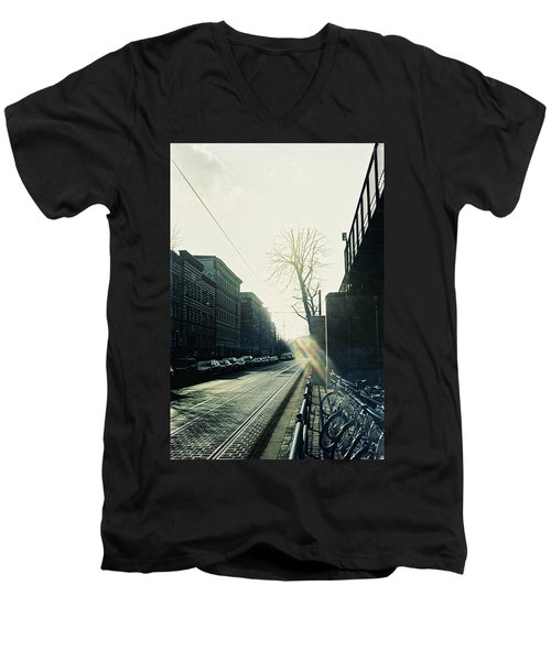 Berlin Street With Sun Men's V-Neck T-Shirt