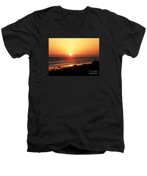 Best Friends At The Beach Men's V-Neck T-Shirt