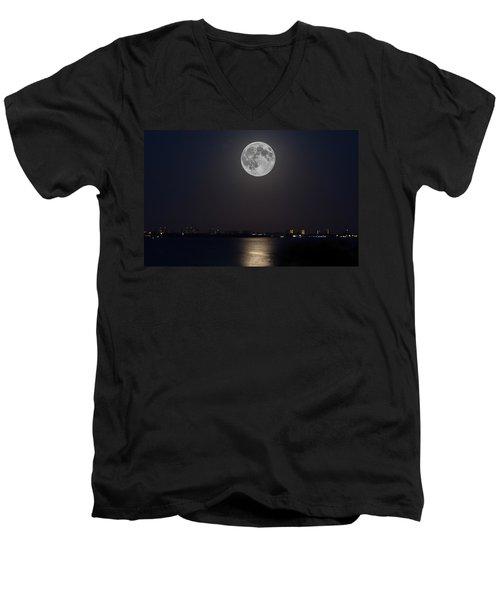 Big Moon Over The Bay Men's V-Neck T-Shirt