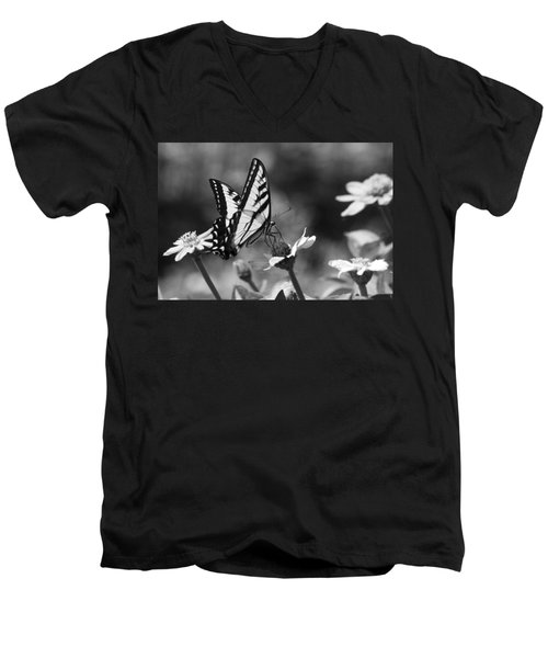 Black And White Butterfly On Flower Men's V-Neck T-Shirt