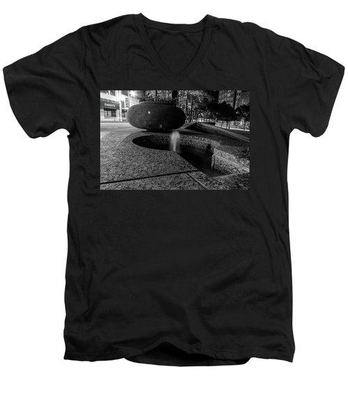 Black And White Fountain Men's V-Neck T-Shirt