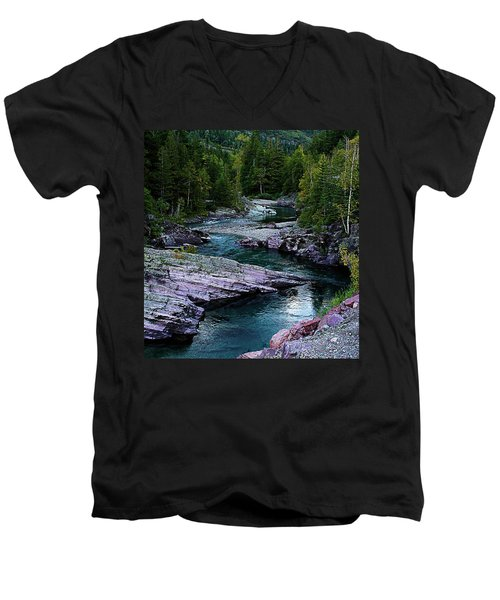 Blue River Men's V-Neck T-Shirt