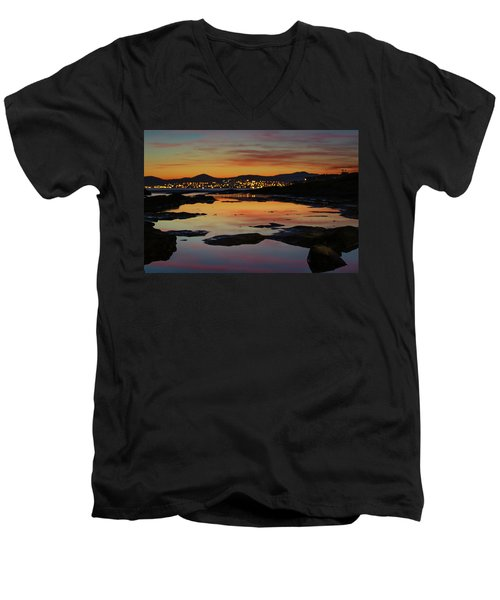 Blurry Dots Men's V-Neck T-Shirt