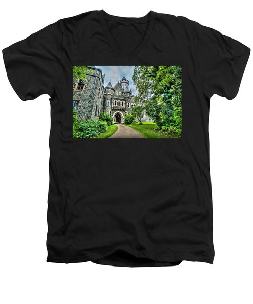 Men's V-Neck T-Shirt featuring the photograph Braunfels Castle by David Morefield