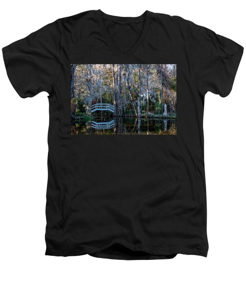 Bridge And Statue At Magnolia Plantation Gardens Men's V-Neck T-Shirt