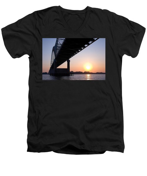 Bridge Over Mississippi River Men's V-Neck T-Shirt