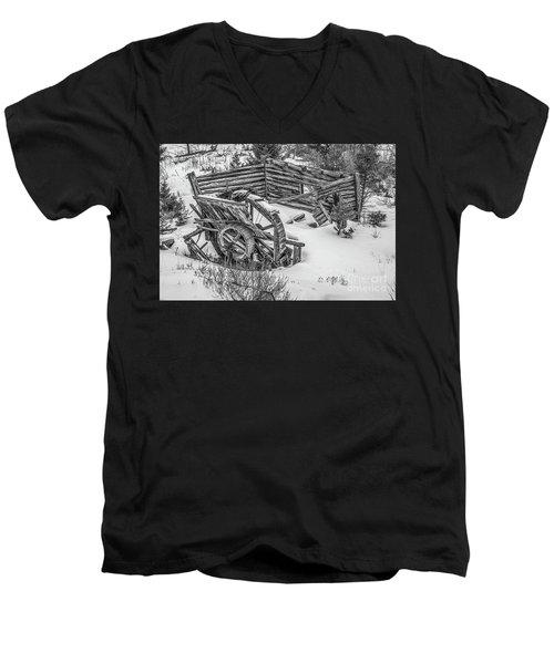 Broken Water Wheel Men's V-Neck T-Shirt