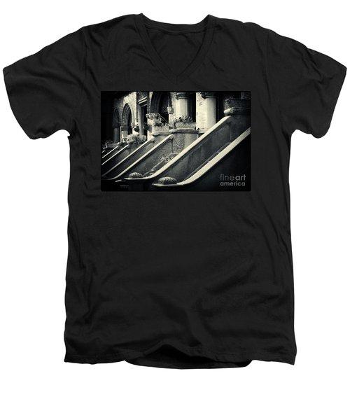 Brooklyn Park Slope Stoops Men's V-Neck T-Shirt