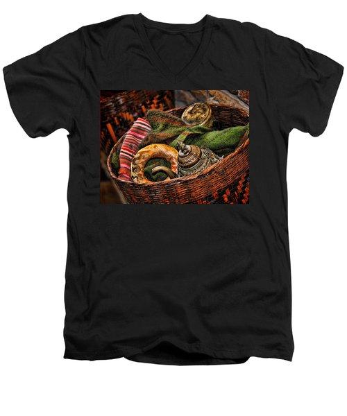 Camelback 8848 Men's V-Neck T-Shirt