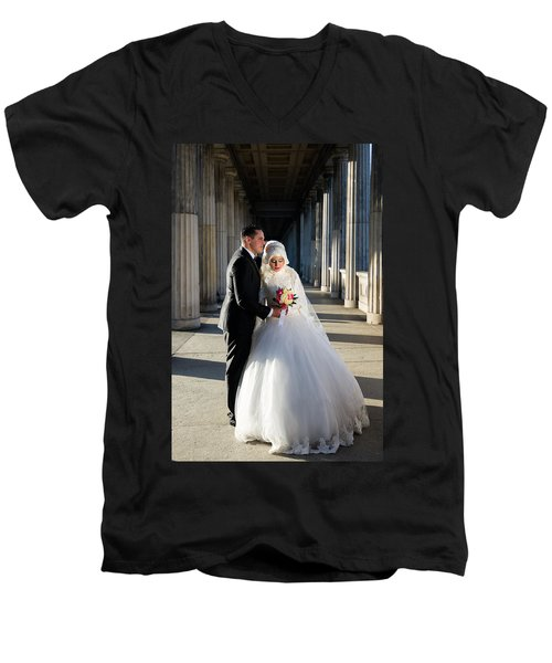 Candid Wedding Shot Men's V-Neck T-Shirt