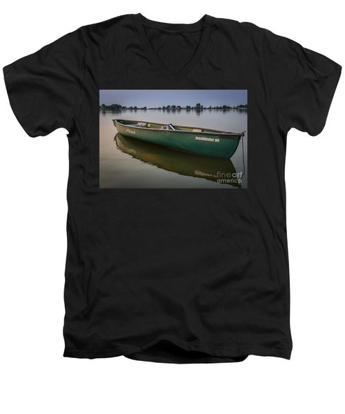 Canoe Stillness Men's V-Neck T-Shirt