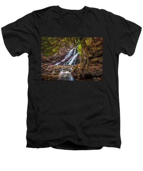 Caribou Falls In Fall Men's V-Neck T-Shirt