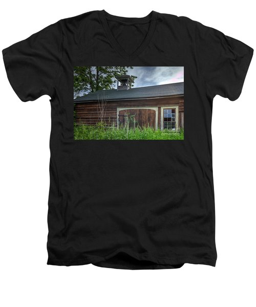 Carriage House Men's V-Neck T-Shirt
