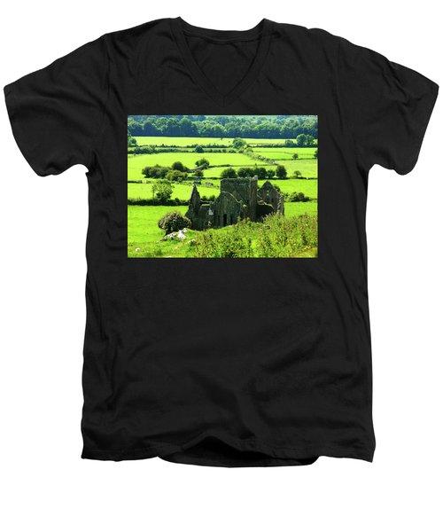 Castle Ruins Countryside Men's V-Neck T-Shirt
