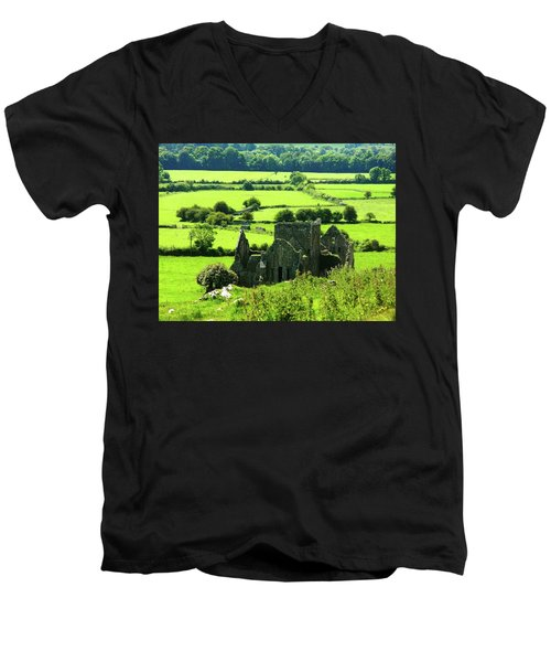 Castle Ruins Countryside Men's V-Neck T-Shirt
