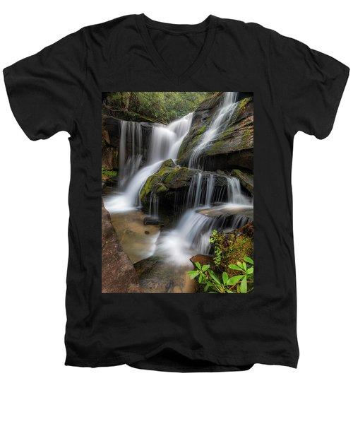Cat Gap Loop Trail Waterfall Men's V-Neck T-Shirt