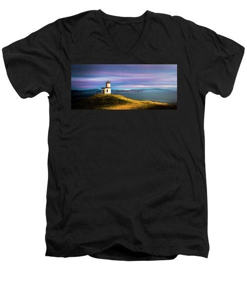 Cattle Point Lighthouse Men's V-Neck T-Shirt