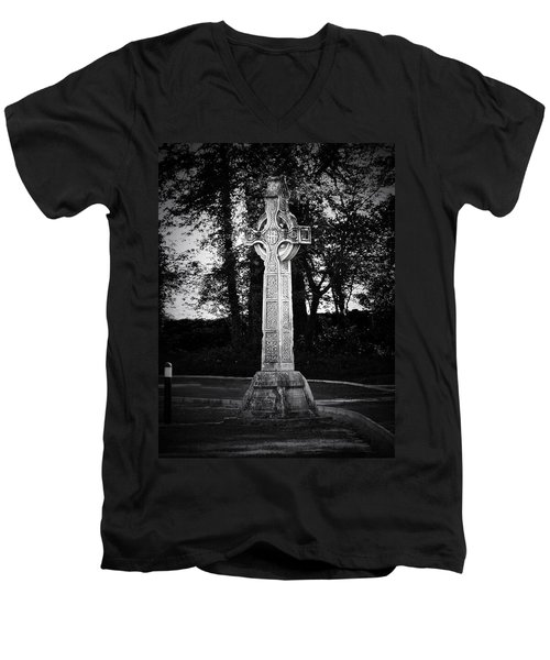 Celtic Cross In Killarney Ireland Men's V-Neck T-Shirt