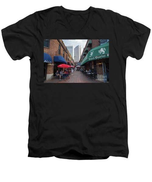 Charlotte, North Carolina Men's V-Neck T-Shirt