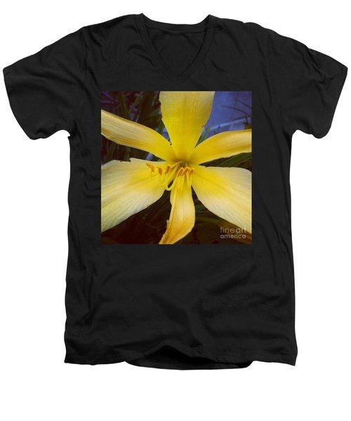 Cheer Men's V-Neck T-Shirt