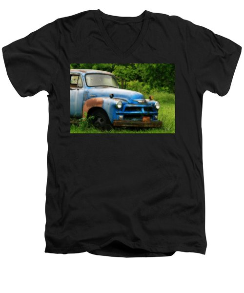 Chevy 6500 Farm Truck Men's V-Neck T-Shirt