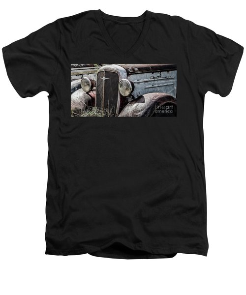 Chevy Grill IIi Men's V-Neck T-Shirt
