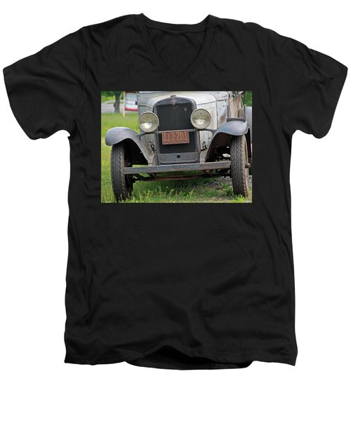 Chevy Huckster 1930 Grill Men's V-Neck T-Shirt
