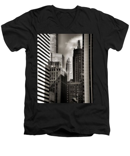 Chicago Architecture - 13 Men's V-Neck T-Shirt
