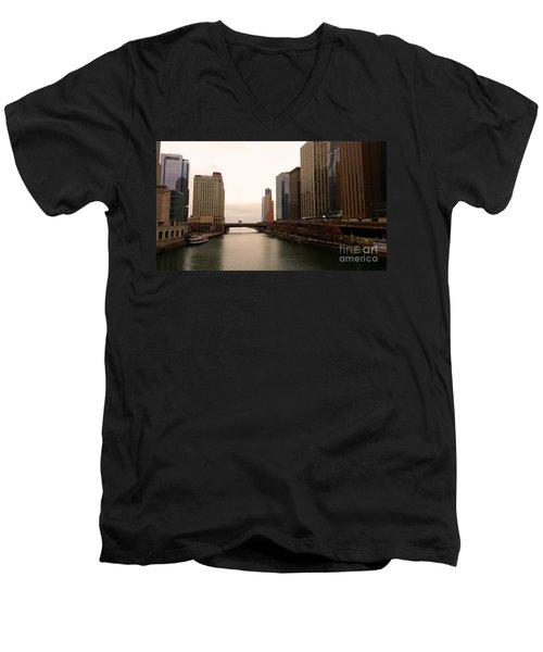 Chicago Rive Men's V-Neck T-Shirt