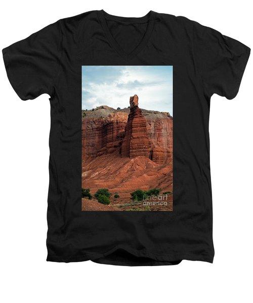 Chimney Rock In Capital Reef Men's V-Neck T-Shirt