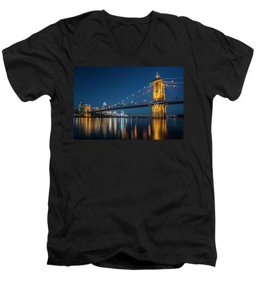 Cincinnati's Roebling Suspension Bridge At Dusk Men's V-Neck T-Shirt