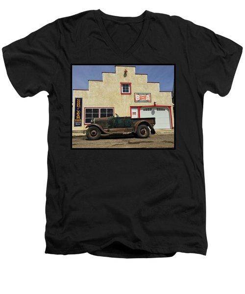 Clampet Men's V-Neck T-Shirt