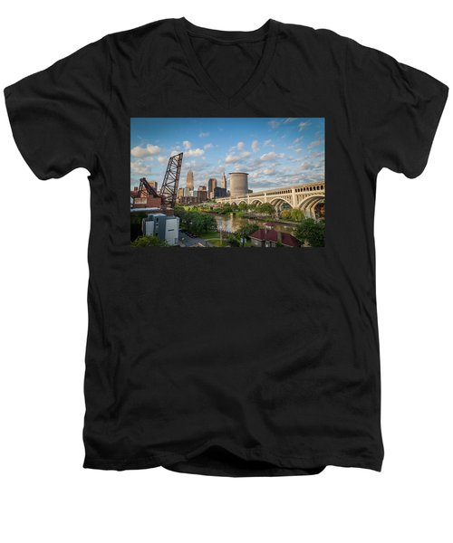 Cleveland Skyline Vista Men's V-Neck T-Shirt