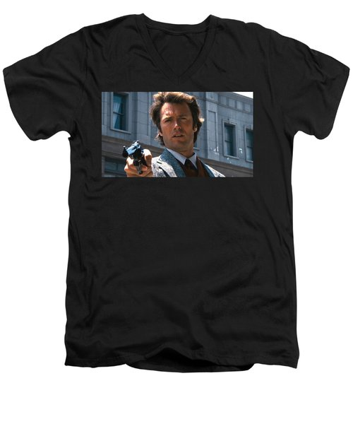 Clint Eastwood With 44 Magnum Dirty Harry 1971 Men's V-Neck T-Shirt