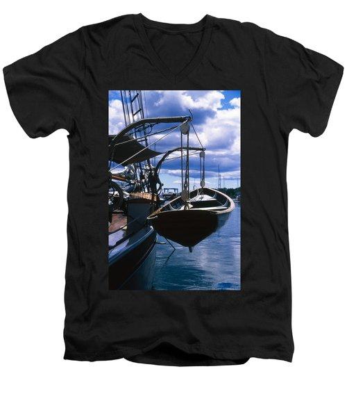 Cnrh0601 Men's V-Neck T-Shirt
