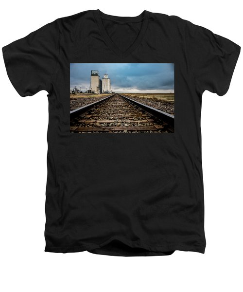 Men's V-Neck T-Shirt featuring the photograph Collyer Tracks by Darren White