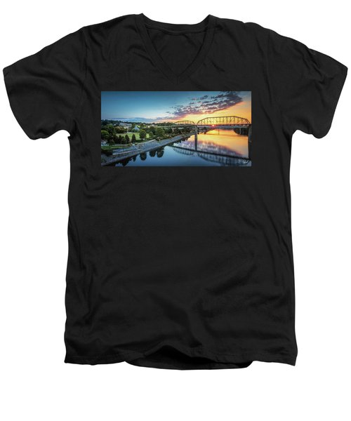 Coolidge Park Sunrise Panoramic Men's V-Neck T-Shirt