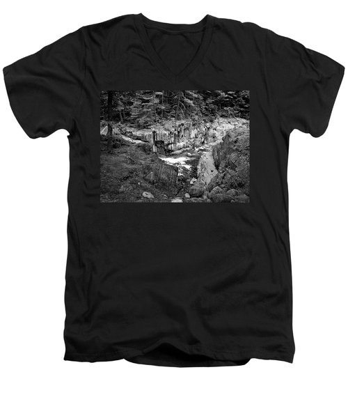 Men's V-Neck T-Shirt featuring the photograph Coos Canyon 1553 by Guy Whiteley
