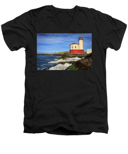 Coquille River Lighthouse At Bandon Men's V-Neck T-Shirt